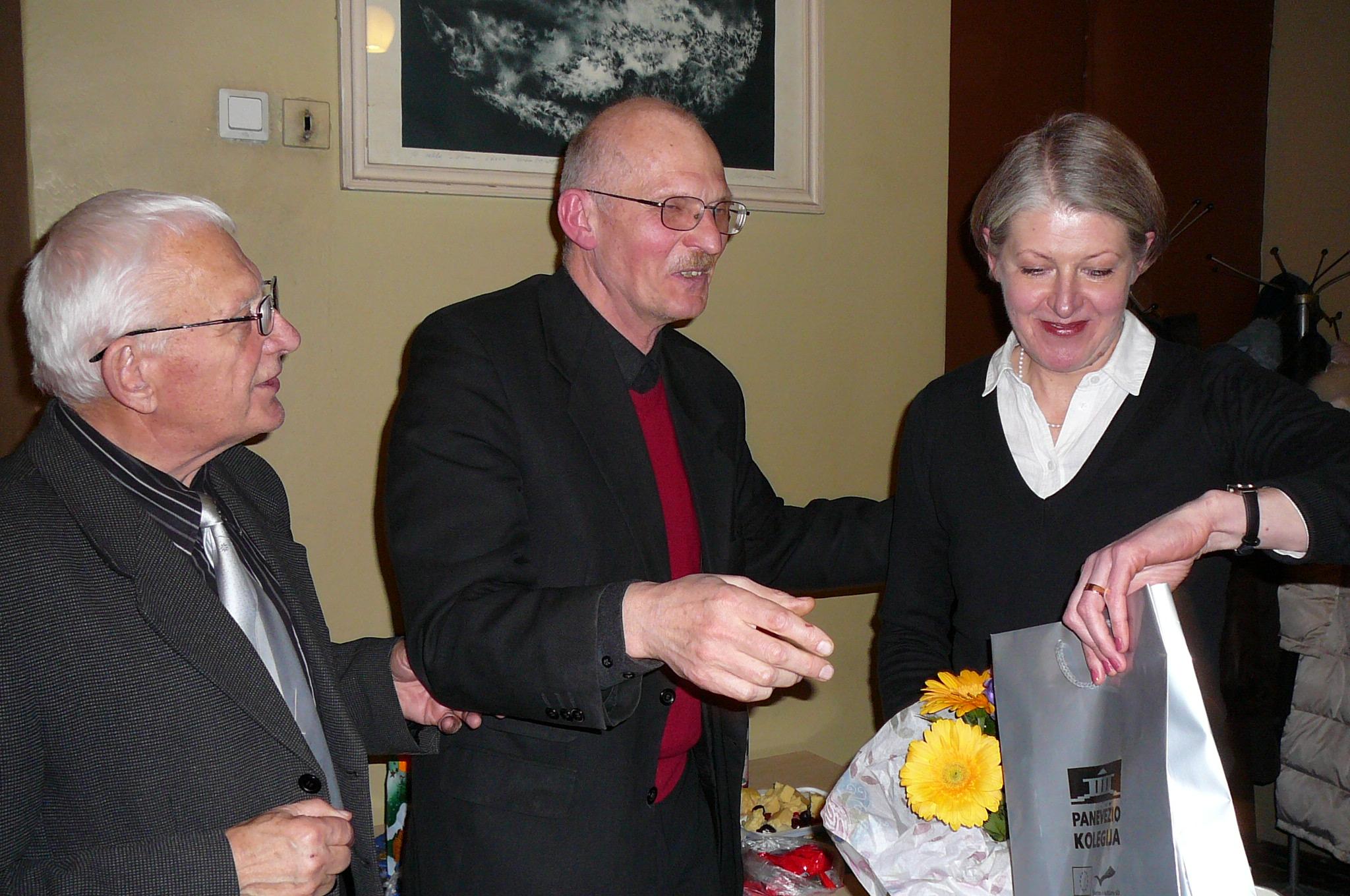 Padėkos žodžiai po pranešimo - A. Gurskas, G. Kviklys ir V. Markeliūnienė.